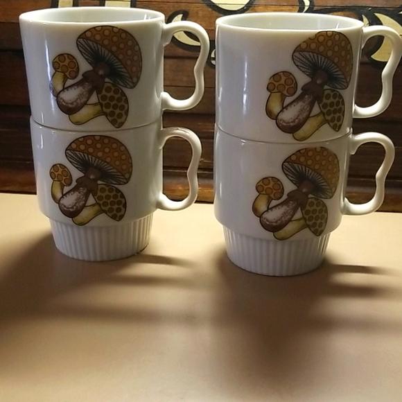 Vintage Retro 70's Stackable Mushroom cup set